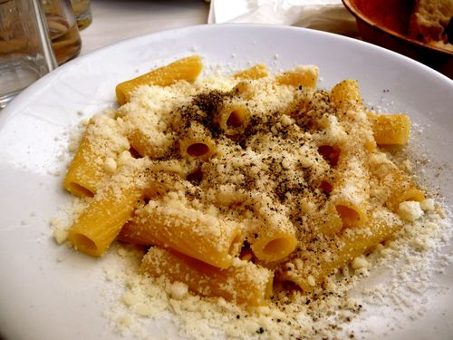 Food in Rome : Cacio e pepe