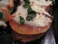 Tomato and cheese tartine Cuisine de Bar